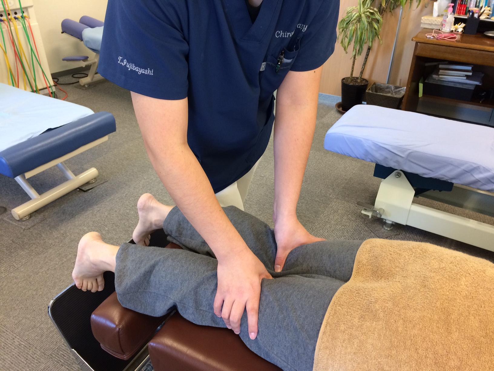 O脚矯正 施術風景1